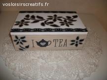 boite à thé  en bois, fait main. décore noir et blanc.