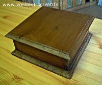 Boite rustique, objet en bois décoratif et ou utilitaire.