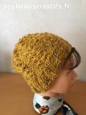 Bonnet en laine jaune