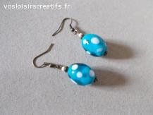 Boucles d'oreilles bronze perles verre bleu-blanc