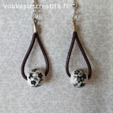 Boucles d'oreilles  cuirs et fleurs noires