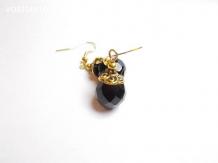 Boucles d'oreilles verre boheme noir, métal doré