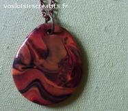 Collier avec pendentif imitation pierre