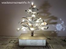 Décoration de Noël lumineuse, sapin en bois flotté vintage