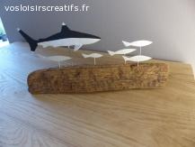 Décoration en bois flotté sur le thème des fonds marins.