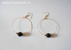 Grandes créoles dorées, perles boheme noir, perles dorées