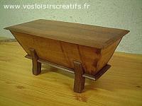 Petit pétrin bois ancien, objet en bois décoratif et ou util