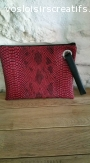 pochette plate, bicolore simili cuir croco bordeaux et simil