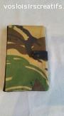 porte chéquier tout simple, en tissu militaire. fermeture pa