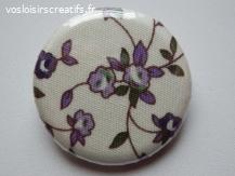 """Badge """"Les Fleurs"""" en tissu écru et mauve 3 cm"""