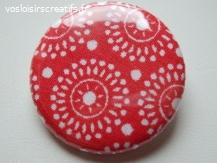 """Badge """"Les Ronds"""" en tissu rouge 3 cm"""
