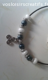 Collier perles en verre et pendentif triskell