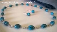 Parure collier et boucles d'oreille en perles de verre marbr