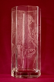 Vase octogonale au motif papillons